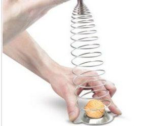 گردو شکن فنری جادویی naomi nutcracker