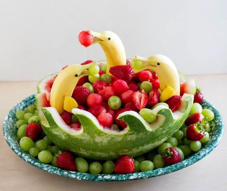 میوه آرایی با هندوانه موز دلفین