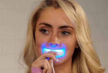 بلیچینگ دندان خانگی دستگاه سفید کننده سریع دندان white smile